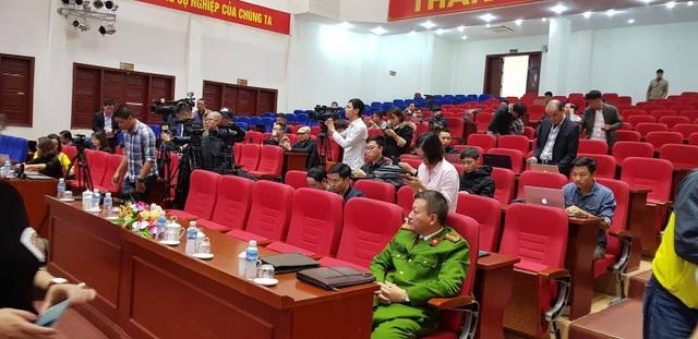 Chủ tịch Uông Bí phủ nhận thông tin nhiều quan chức đầu tư chùa Ba Vàng - 4
