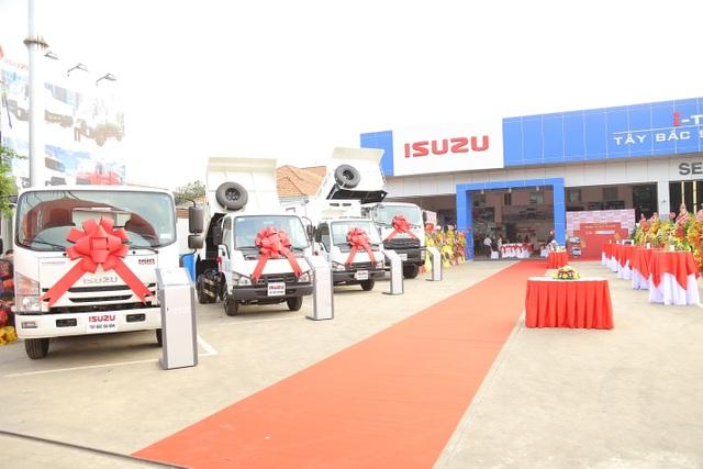 Khai trương đại lý xe thương mại Isuzu i-Trucks Tây Bắc Sài Gòn - 2