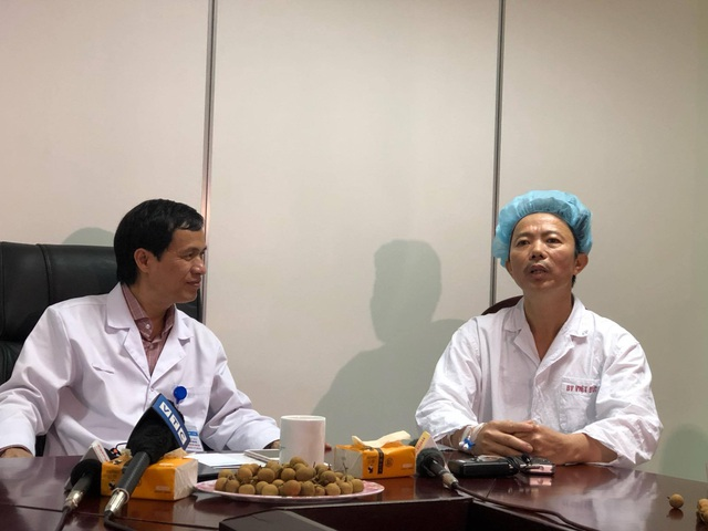 Bệnh nhân hát vang bài Quảng Bình quê ta ơi khi đang được mổ u não - 1