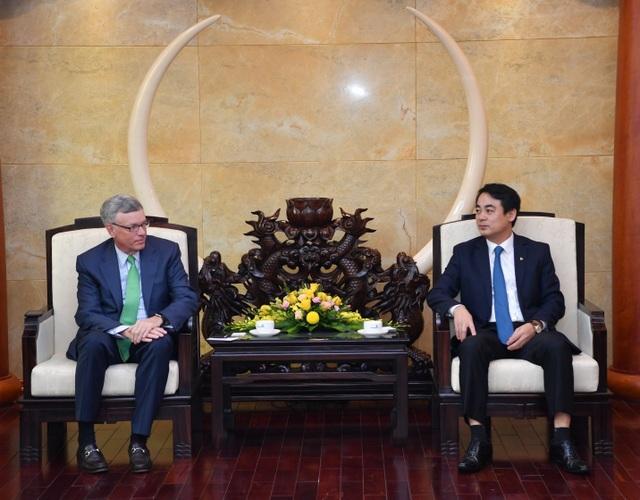 Ban Lãnh đạo Vietcombank tiếp và làm việc với đoàn lãnh đạo cấp cao Tổ chức thẻ quốc tế Visa - 1