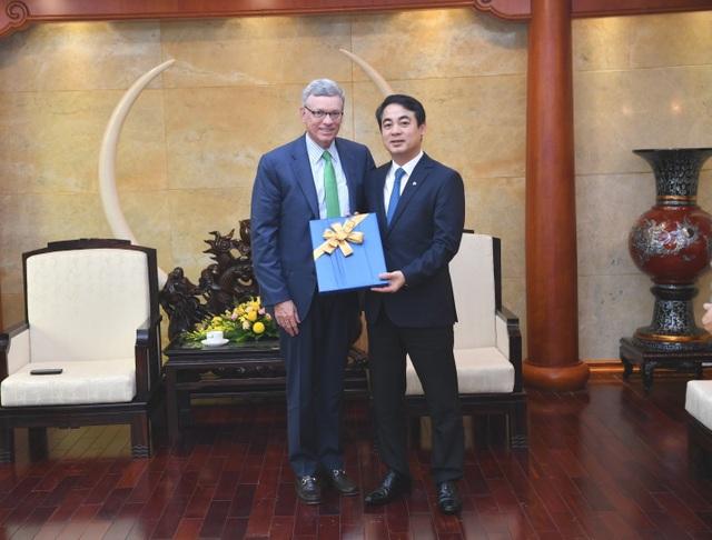 Ban Lãnh đạo Vietcombank tiếp và làm việc với đoàn lãnh đạo cấp cao Tổ chức thẻ quốc tế Visa - 3