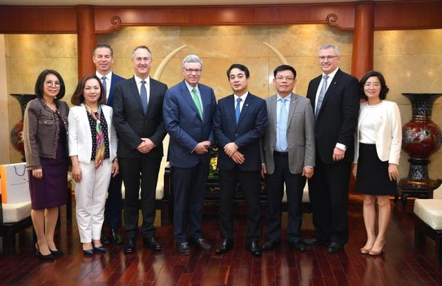 Ban Lãnh đạo Vietcombank tiếp và làm việc với đoàn lãnh đạo cấp cao Tổ chức thẻ quốc tế Visa - 5