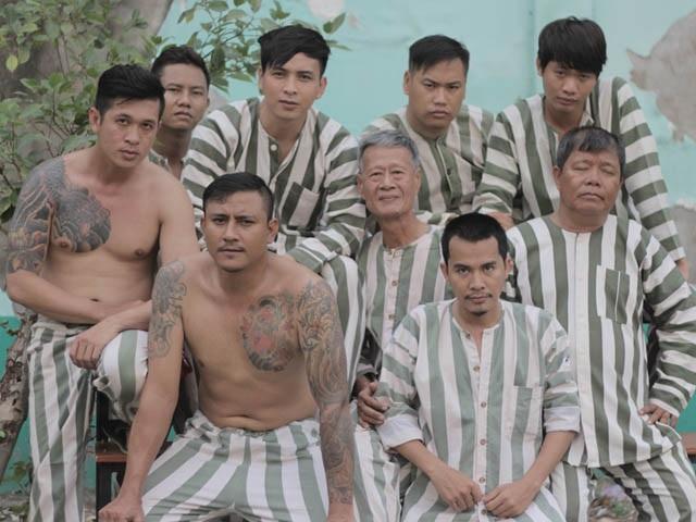 Tự truyện sao Việt: Người khoe thành tích giường chiếu, kẻ điều gái bia ôm - 4