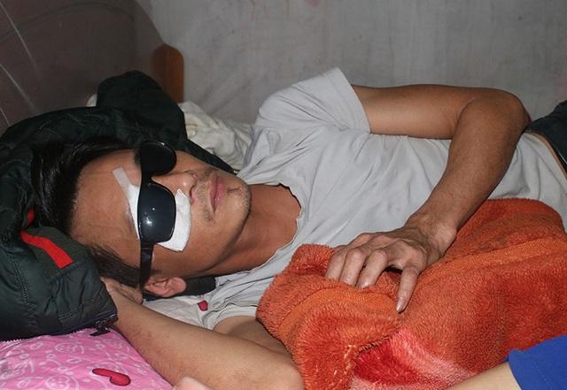 Vợ bệnh não ôm 3 con thơ bất lực nhìn chồng sắp mù - 6
