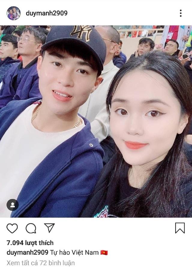 Các tuyển thủ quốc gia cùng bạn gái tới sân Mỹ Đình cổ vũ cho U23 Việt Nam - 1