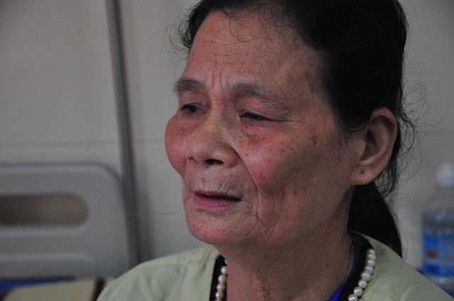 Xót xa cảnh bà ôm cháu bị ung thư vòm họng đi chữa bệnh để trốn đòn roi của ông - 2
