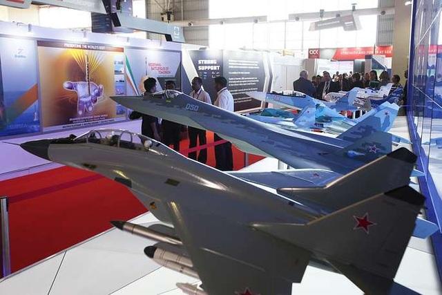 Máy bay quân sự Nga phô diễn sức mạnh tại triển lãm hàng không - 13