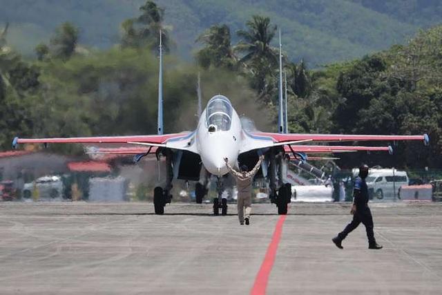 Máy bay quân sự Nga phô diễn sức mạnh tại triển lãm hàng không - 2