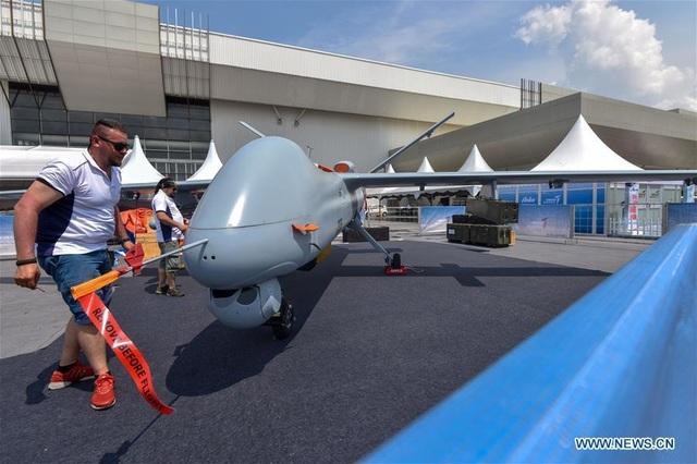 Máy bay quân sự Nga phô diễn sức mạnh tại triển lãm hàng không - 7
