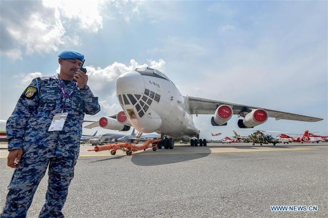 Máy bay quân sự Nga phô diễn sức mạnh tại triển lãm hàng không - 11