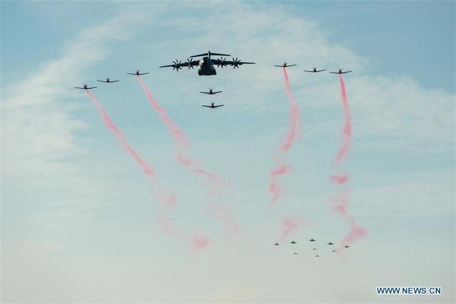 Máy bay quân sự Nga phô diễn sức mạnh tại triển lãm hàng không - 10