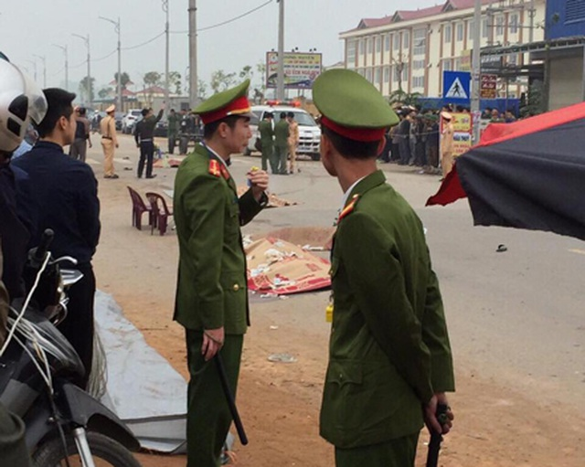 Đoàn người đưa tang gặp tai nạn thảm khốc, 7 người tử vong - 2