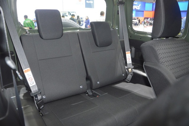 Suzuki Jimny ra mắt tại Thái Lan, giá cao ngất ngưởng - 13