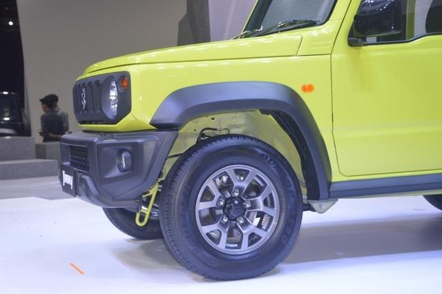 Suzuki Jimny ra mắt tại Thái Lan, giá cao ngất ngưởng - 4