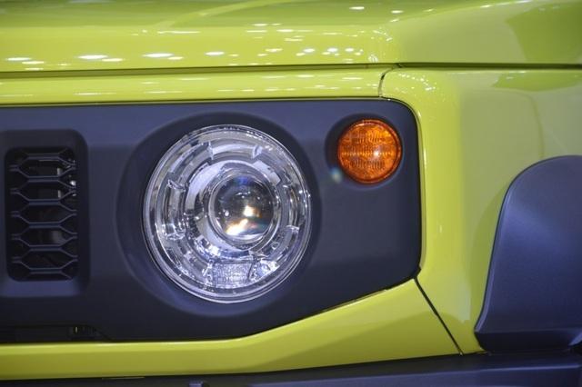 Suzuki Jimny ra mắt tại Thái Lan, giá cao ngất ngưởng - 3