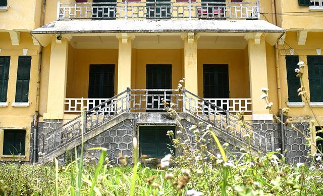 Cận cảnh Dinh tỉnh trưởng - di sản hoang phế ở Đà Lạt - 6