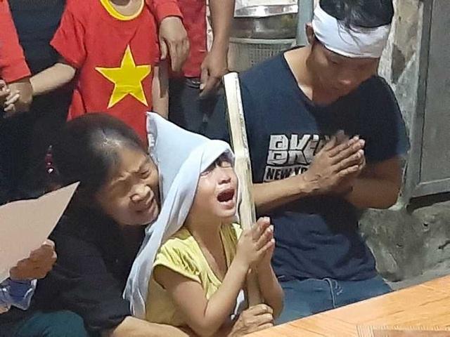Vụ 5 người Việt tử nạn ở Thái Lan: Sao mẹ con chưa về?! - 2