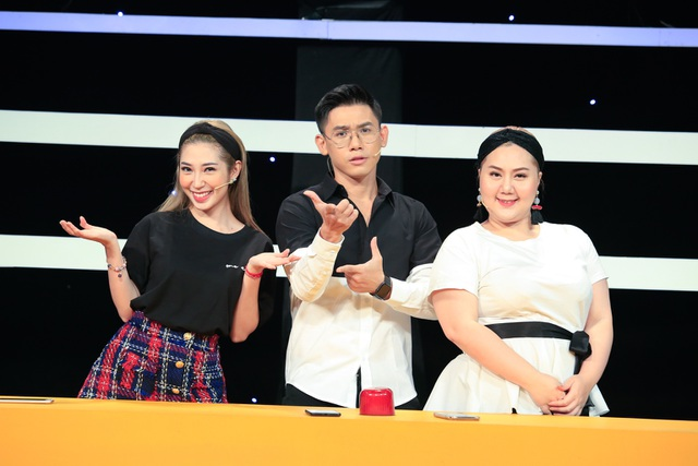 Khổng Tú Quỳnh ngầm công khai chuyện chia tay Ngô Kiến Huy trên sóng truyền hình - 2