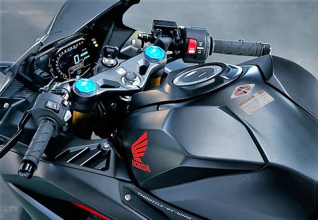 Honda CBR250RR 1.jpg