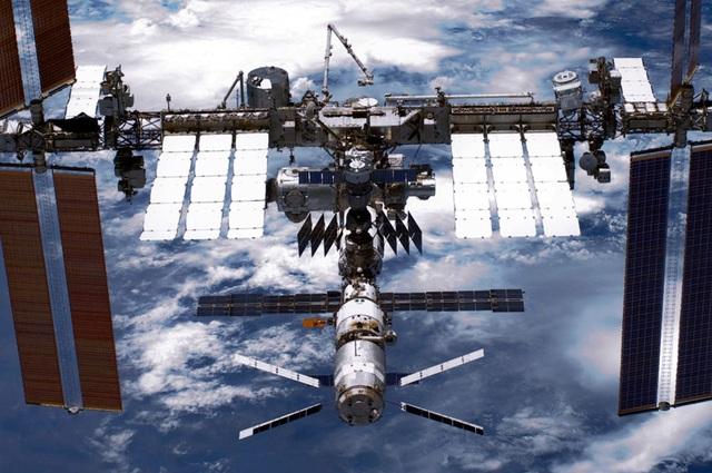 """Nhật Bản phát triển """"phi hành gia"""" robot khám phá Mặt trăng - 1"""