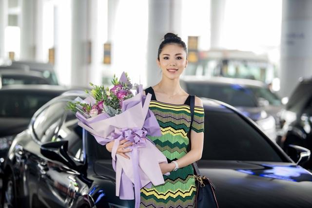 Riyo Mori tại sân bay00012.jpg
