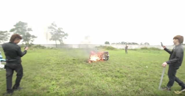 Sau trò chơi ngông đăng clip đốt xe, Khá Bảnh thừa nhận sai lầm và xin lỗi - 3