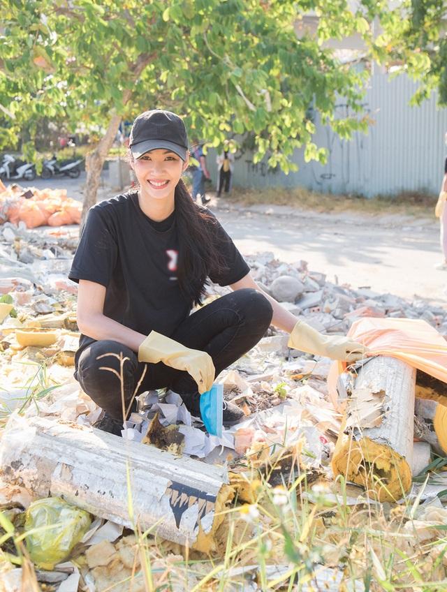 Top 3 Hoa hậu Hoàn Vũ hào hứng tham gia thử thách dọn rác - 7