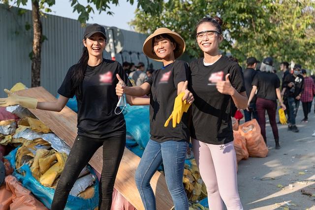 Top 3 Hoa hậu Hoàn Vũ hào hứng tham gia thử thách dọn rác - 2