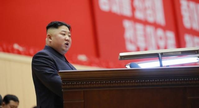 """Sĩ quan Triều Tiên vừa khóc vừa ghi chép trong cuộc họp """"lịch sử"""" với ông Kim Jong-un - 1"""