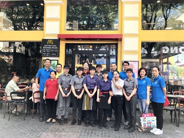 """McDonald's 4 năm liên tiếp nằm trong """"Top 100 nơi làm việc tốt nhất Việt Nam"""" - 4"""