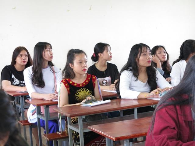 Trường ĐH Sài Gòn không tuyển thí sinh nói ngọng, nói lắp vào ngành Sư phạm - 1