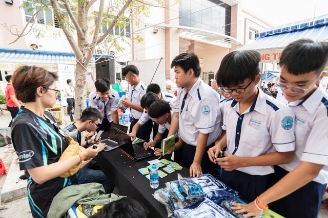 Acer đồng hành tư vấn mùa thi cùng học sinh TP.HCM - 3