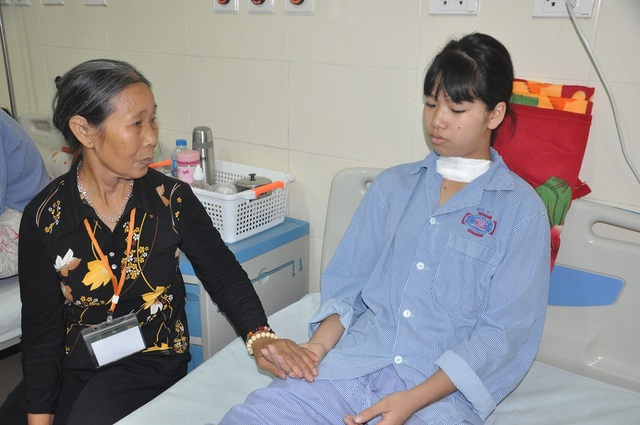 Bạn đọc giúp đỡ cô bé Nga mồ côi bị ung thư tuyến giáp gần 162 triệu đồng - 2