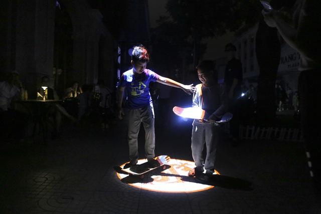 Hồ Gươm trong một giờ tắt đèn - 9
