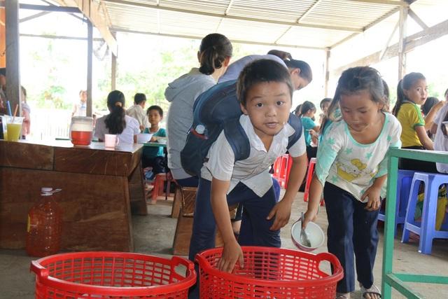 Cô giáo vùng cao xin cơm, xây nhà bán trú cho học trò nghèo - 7