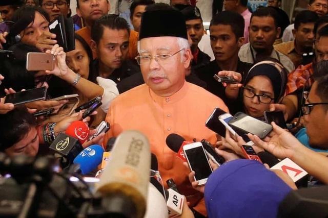Cựu thủ tướng Malaysia Najib Razak phải đối mặt với hàng tá cáo buộc liên quan đến vụ bê bối 1MDB. (Nguồn: Reuters)