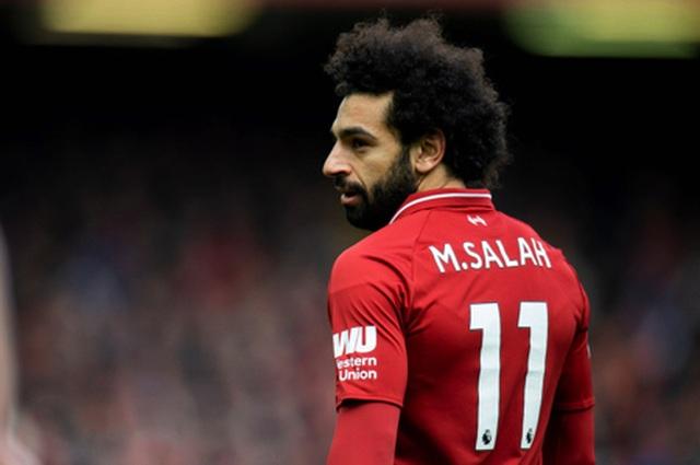 """Mohamed Salah bị mẹ """"dạy bảo"""" vì lộ ảnh ôm ấp fan nữ - Ảnh minh hoạ 3"""