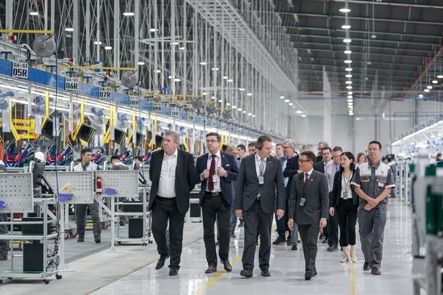 Ủy ban Ngân sách Quốc hội Đức đánh giá cao bước phát triển thần tốc của VinFast  - 3