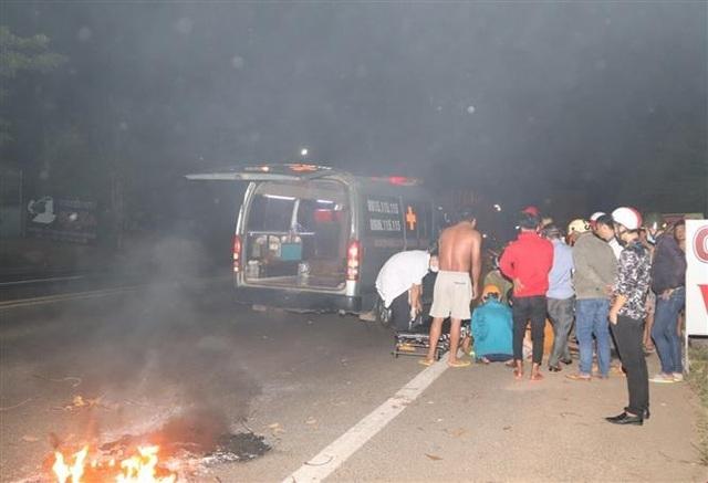 Tai nạn liên hoàn, một công an viên cùng 3 người dân bị thương nặng - 1