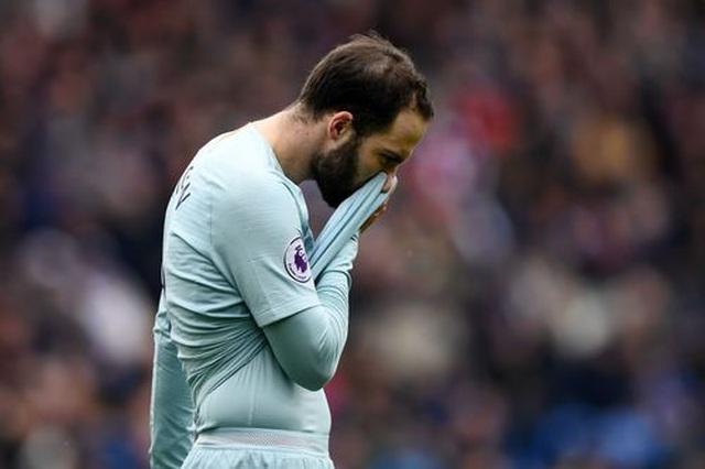 """Cardiff 1-2 Chelsea: Thắng trận nhờ """"bàn thắng ma"""" - 2"""