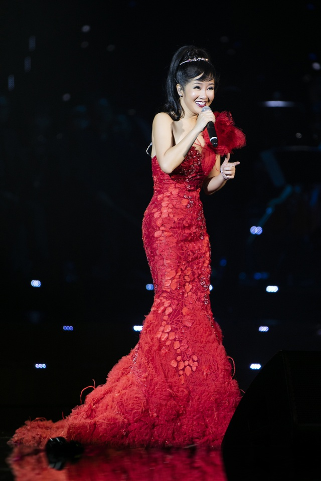 """Hát nhạc Trịnh, Hồng Nhung thú nhận từng nghĩ rằng: """"Mình hát hay nhất Việt Nam"""" - 13"""