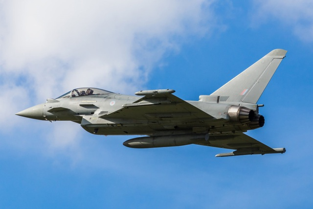Điểm danh 10 loại vũ khí mạnh mẽ nhất của NATO - 2