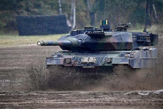 Điểm danh 10 loại vũ khí mạnh mẽ nhất của NATO - 7