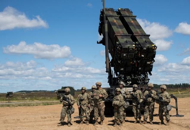 Điểm danh 10 loại vũ khí mạnh mẽ nhất của NATO - 8