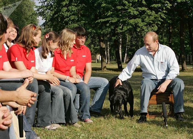 Những món quà bốn chân đặc biệt của Tổng thống Nga Putin  - 10