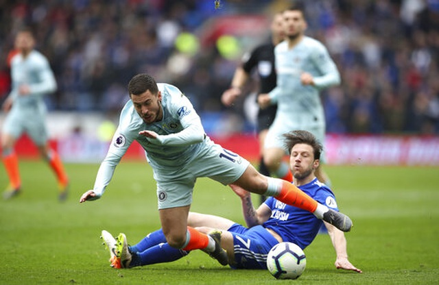 """Cardiff 1-2 Chelsea: Thắng trận nhờ """"bàn thắng ma"""" - 3"""