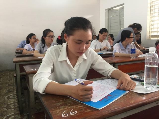 Hơn 15.700 thí sinh thi đợt 2 kỳ thi đánh giá năng lực của ĐHQG TP.HCM - 1