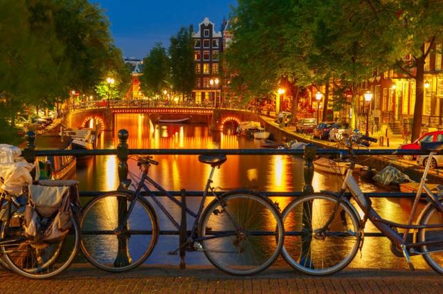Những thành phố đẹp nhất khi khám phá về đêm - 1