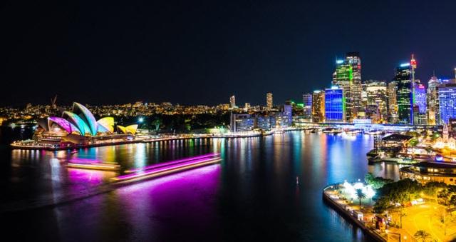 Những thành phố đẹp nhất khi khám phá về đêm - 10