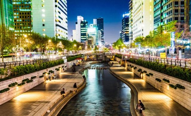 Những thành phố đẹp nhất khi khám phá về đêm - 13